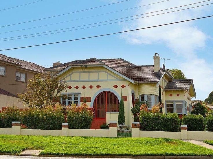 121 best images about exterior colour scheme on pinterest for Californian bungalow bathroom ideas