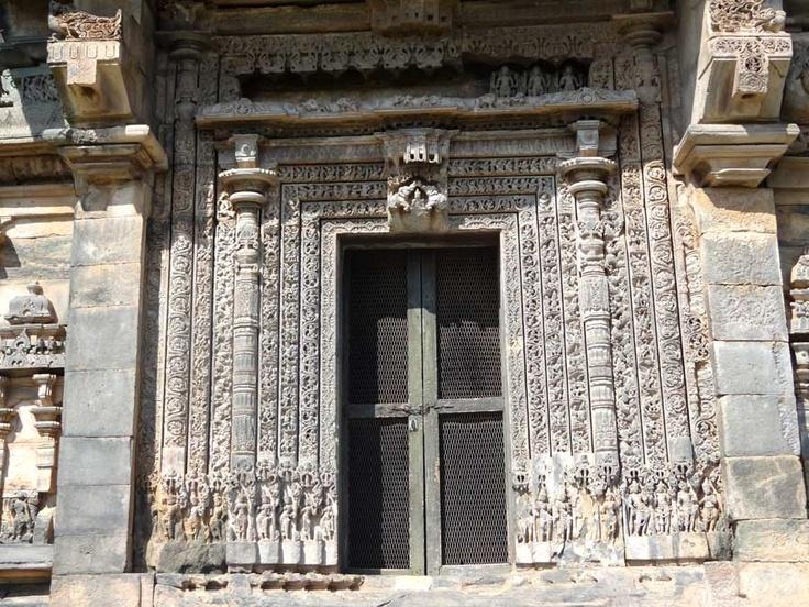 Kasivisvesvara Shiva temple, Lakkundi, Gadag, Karnataka, southern door