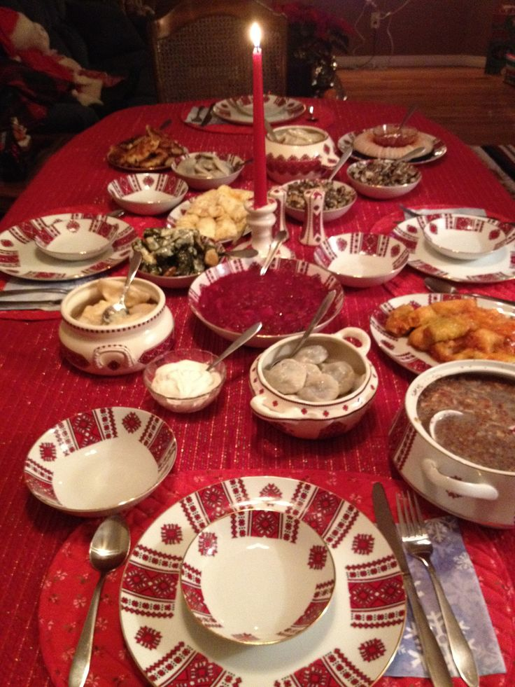 "Dobryj vechir, Sviaty vechir. Dobrym liudiam na zdorovja. — ""Good evening, Holy evening. To good people for good health."" Kristos Rozdiatzia! The supper on Holy Night differs from…"