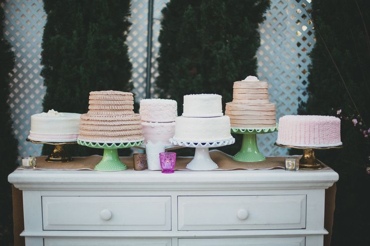 Multiple wedding cakes for dessert when you canu0027t decide - küchenbuffet shabby chic