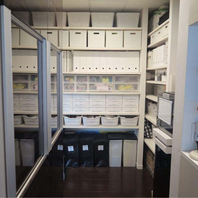リクシル食器棚/IKEA/パントリー/パントリー収納/白黒 収納/半透明もある…などのインテリア実例 - 2016-02-06 12:50:02 | RoomClip(ルームクリップ)