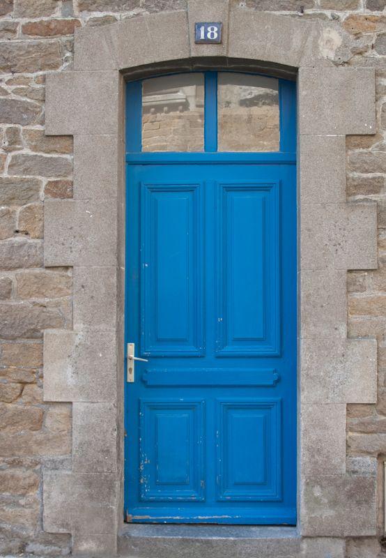 Blue door in Cancale  // a Thunder Blue Door in Paris, OKC =)Cottages Doors, Thunder Blue, Pretty Blue, Blue Doors, French Doors, Delight Doors, Cancale Blue, Doors Gates, Doors France