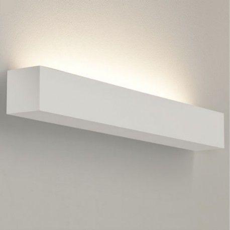 Les effets lumineux de Parma de la marqueAstro Lighting créent une atmosphère conviviale particulièrement appréciée le soir, lorsque l'on souhaite se détendre à la lueur d'une lumière agréable. Cette applique en plâtre blanc fait un très bel effet dans le couloir, dans le salon ou la chambre à coucher.