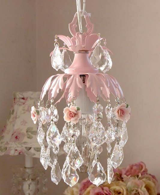 chandelier♥: Pink Chandelier, Rose, Idea, Shabby Chic, Chandeliers, Girls Room, Light, Shabbychic, Bedroom