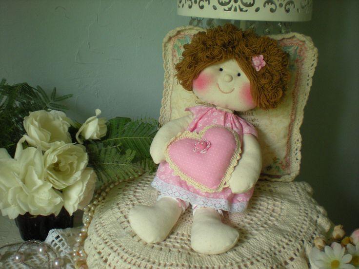 muñeca hechas con telas.