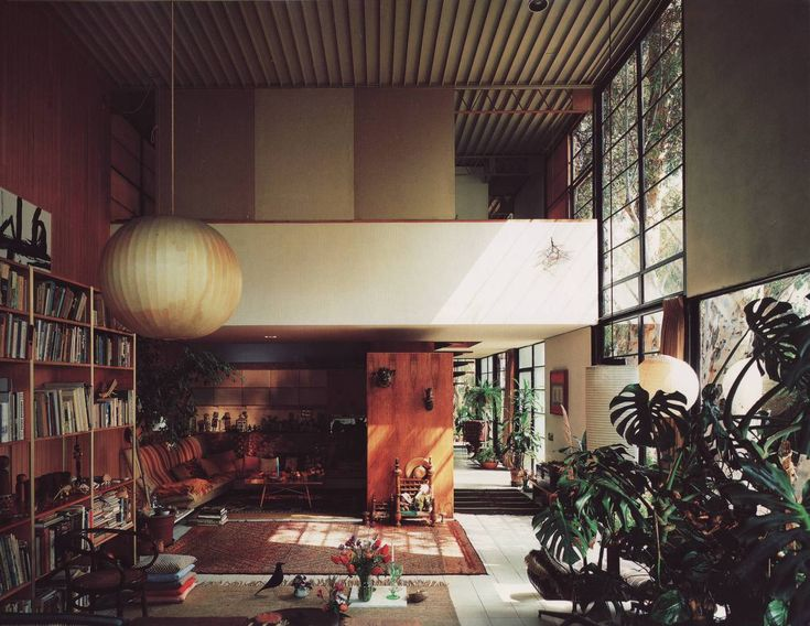 Charles And Ray Eames Began Designing The House In 1945 For Case Study Program Los Angeles