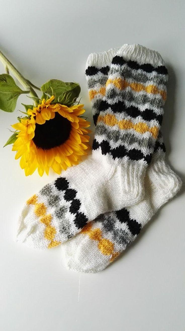 Kodin Kuvalehti – Blogit | Neiti Kerä – Räsymatto-villasukat