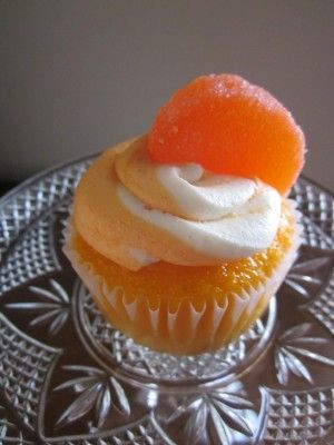 Orange creamsicle cupcakes -- I'm constantly looking for this one orange cake recipe.  This doesn't look like it, but I'm hopeful that it's good anyway.