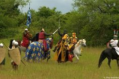 13th century done absolutely right! reenactment of the Battle of Bouvines in 1214.  AWESOME