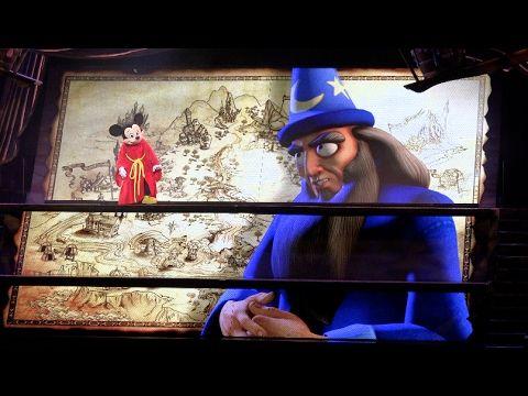 This video is Mickey and the Magical Map at Anaheim Disneyland. You can see TANGLED, The Little Mermaid scene, etc  Thanks for your coming! Please subscribe to this channel!  カリフォルニアディズニーランドで行われているミュージカルショー、ミッキーとマジカルマップ の様子です。  映像とリアルが一体となったミュージカルショー、ミッキーとマジカルマップはミッキーやスティッチ、ラプンツェルも登場します。映像からリアルなミッキーが登場するシーンは目を疑うほど精巧に作りこまれていて驚きです。