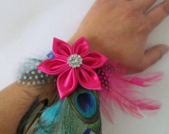 Ramillete de la muñeca de baile RAMILLETE, rosa y azul, pavo real ramillete, ramillete de la muñeca nupcial, rosa Flor Kanzashi con plumas, accesorios de Dama de honor