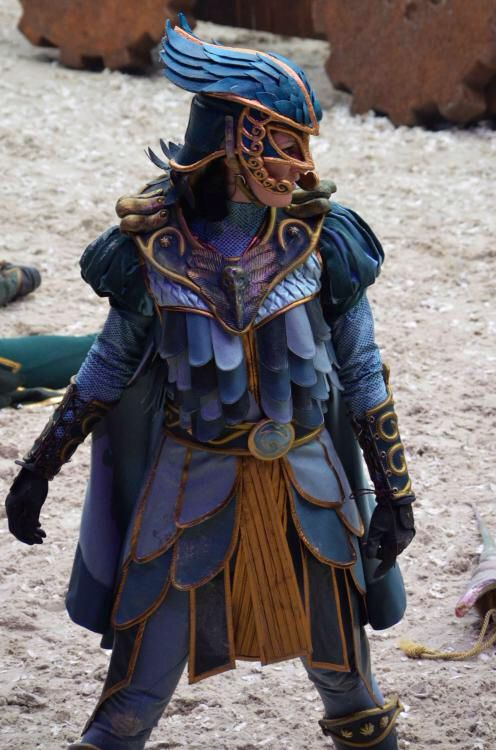 Idea for a cosplay. Raveleijn serie from the dutch Efteling