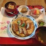 美菜食膳 古嶋 - 料理写真:うなぎ風卵とじ、胡麻豆腐、茄子、素麺、お漬物、お味噌汁