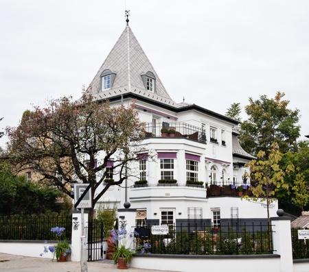Villa Bagatelle - Home Decoration and Café