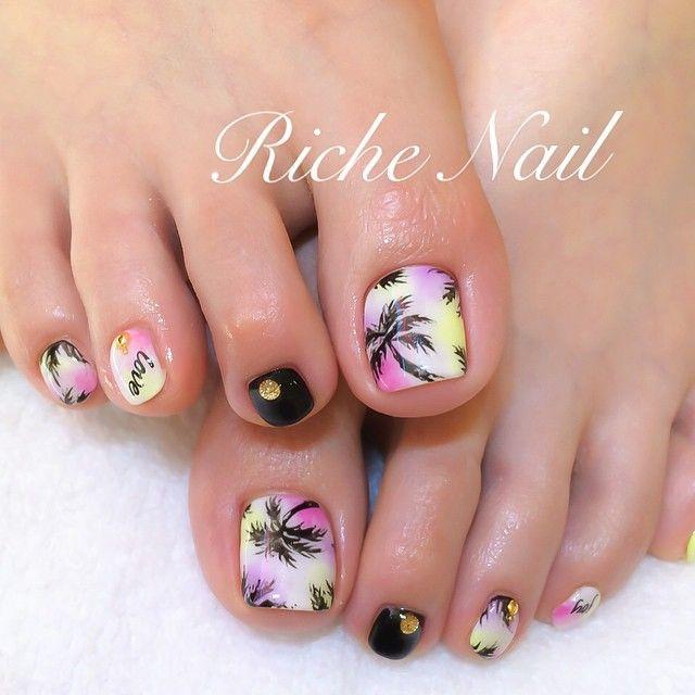 #nail #nailart #gelnail #footnail #ネイル #フットネイル #ヤシの木 #夏ネイル #richenail