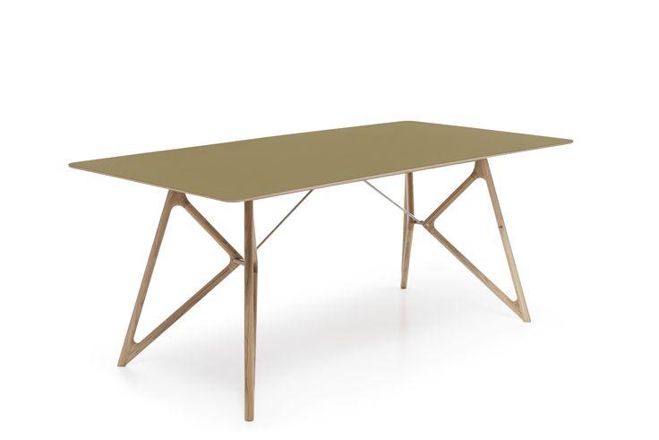 Ook deze tafel met bijzondere poten en olijfgroen blad hebben we besteld. Anders dan een doorsnee houten blad, en dat maakt deze tafel nou juist zo gaaf! http://www.woonn.nl/home