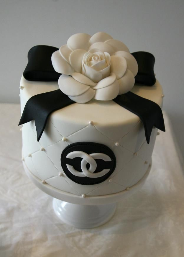 Black  White Mini Cake