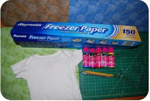 I love freezer paper stenciling! I didn't want to forget this link. What a fun way to make cute kids' shirts...or anything for that matter.