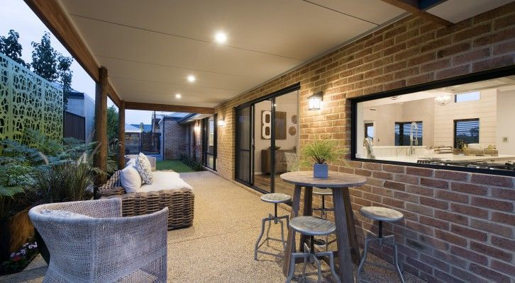 The Abingdon elevation has a timeless farmhouse appeal, featuring a generous verandah with brickwork accented by a central focal point of weatherboard cladding.