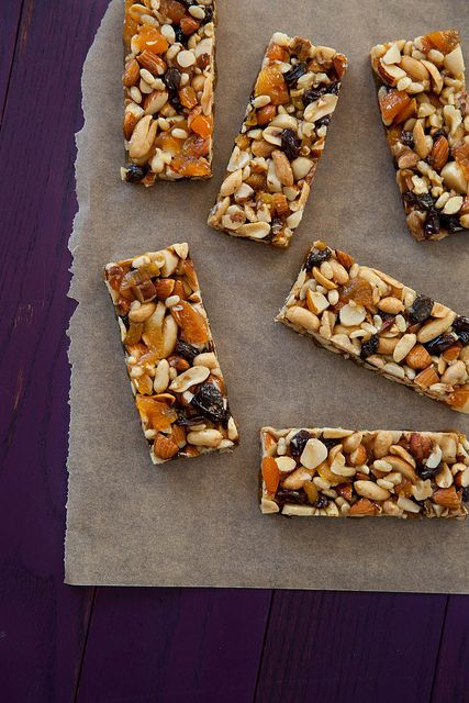 Hubby wants some healthy breakfast bar type things to grab on his way out the door. This might work..   Fruit & Nut Bars {Copycat KIND Bars} - Annies Eats