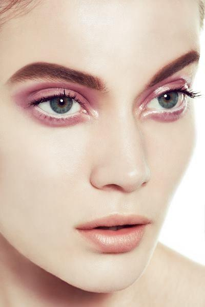 Laura Cammarata - pink eyeshadow