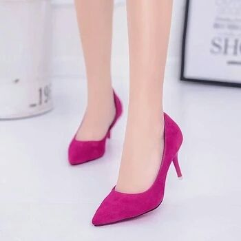 Pilih Flat Shoes, High Heels Atau Wedges?