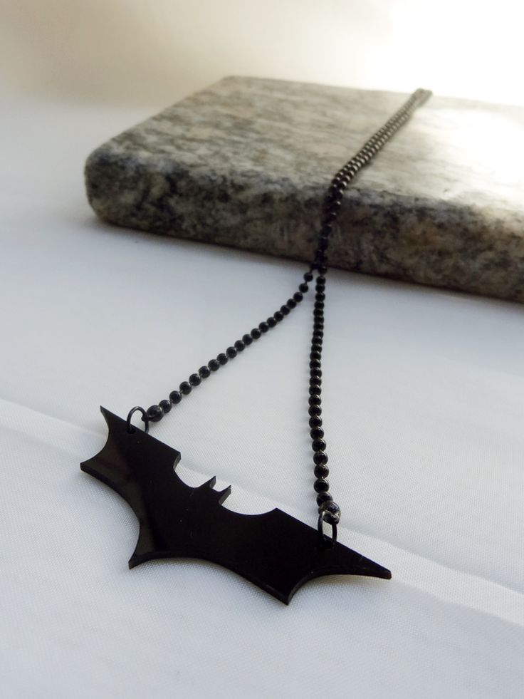 Colar cavaleiro das Trevas - Dark Knight Necklace | Beat Bijou | Elo7