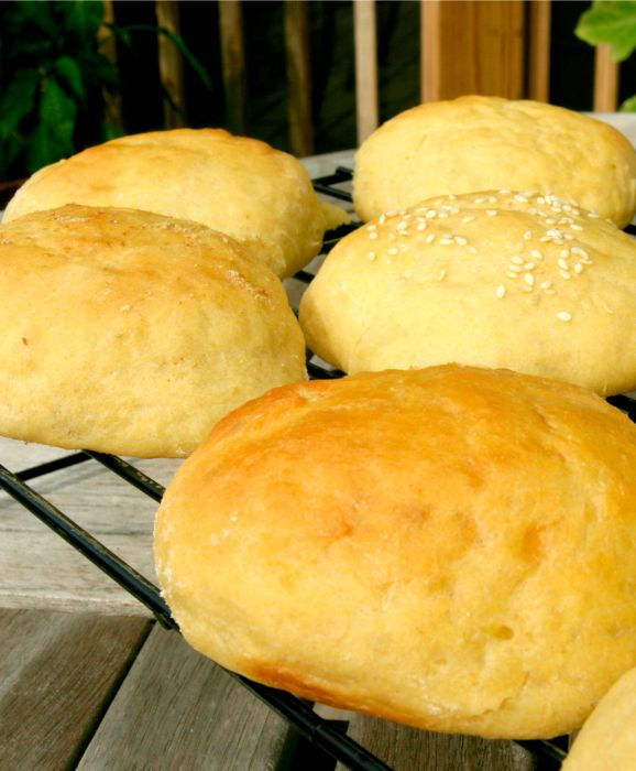 """Freezer Friendly - Homemade Brioche """"thins"""" Rolls - Low Calorie, Low Fat - Repin for later"""