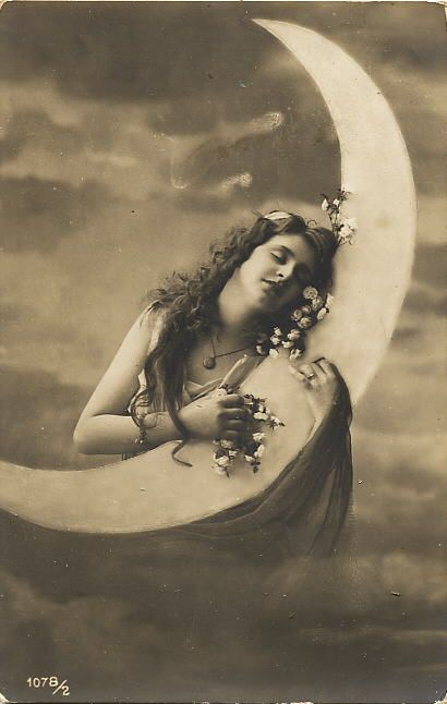 I ***LOVE*** old paper moon photos.