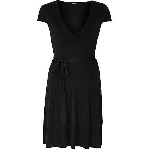 Zwarte soepelvallende skaterjurk - skaterjurken - jurken - dames