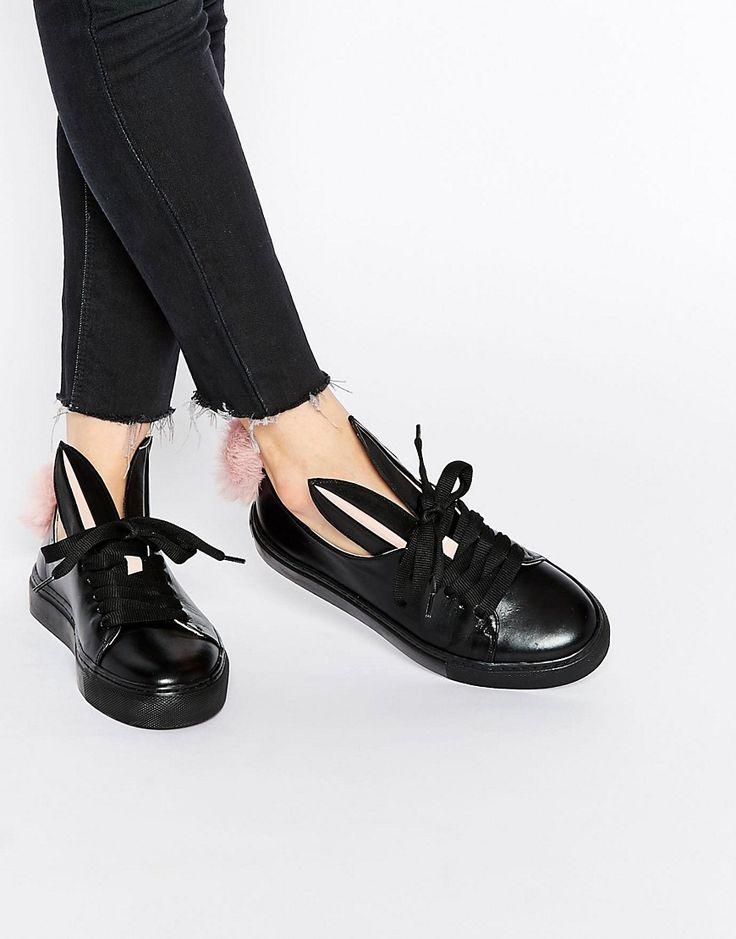 Minna Parikka - Scarpe da ginnastica in pelle nera con orecchie e coda di coniglio in pelliccia sintetica