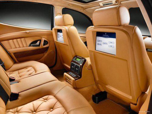 2017 Maserati Levante - interior 1