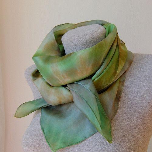 Hedvábný šátek  Paní lesa