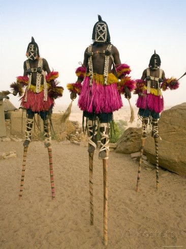 Masked Ceremonial Dogon Dancers, Sangha, Dogon Country, Mali Reproduction photographique par Gavin Hellier sur AllPosters.fr