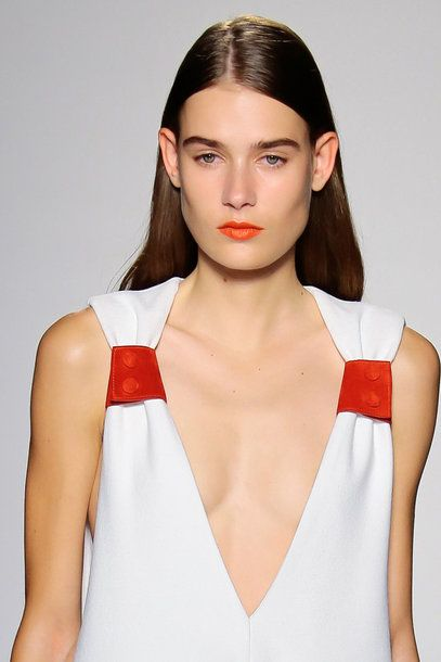 #Lipstick #trend Spring Summer 2016 ORANGE RED victoria_beckham