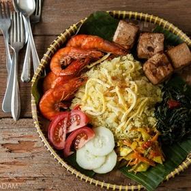 Indonesian yellow rice platter
