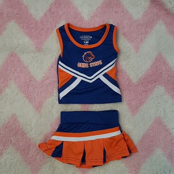 3/6 Month Boise state Cheerleading outfit Unworn Cheerleading outfit. Skirt zips up the side, so does the top. Other