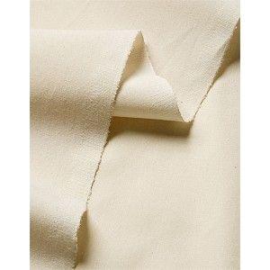Tissu au mètre : popeline de coton écru    100% coton bio    Certifiée GOTS, cette popeline fine, au tissage serré, est parfaite pour tous les travaux nécessitant un beau tombé : chemises et chemisiers, vestes, jupes, linge de lit, rideaux, coussins, couettes...    Laize 160.  14,50 € TTC le mètre