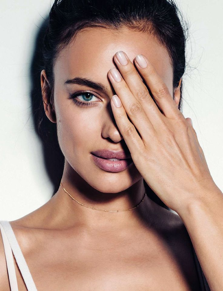 Irina Shayk in Elle Spain October 2016 by Juan Aldabaldetrecu