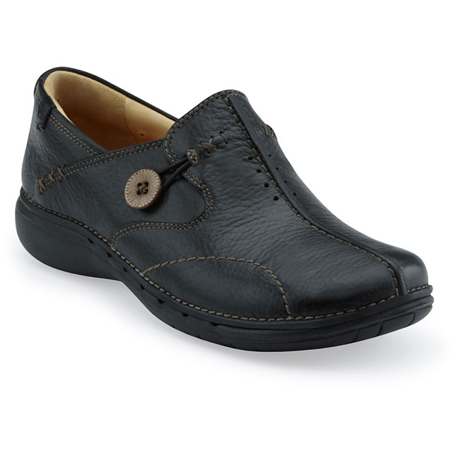 Unloop in Black $119.95 at ShoeMill.com #clarks #comfy #arch #support