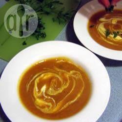 Sopa de abóbora com curry @ allrecipes.com.br