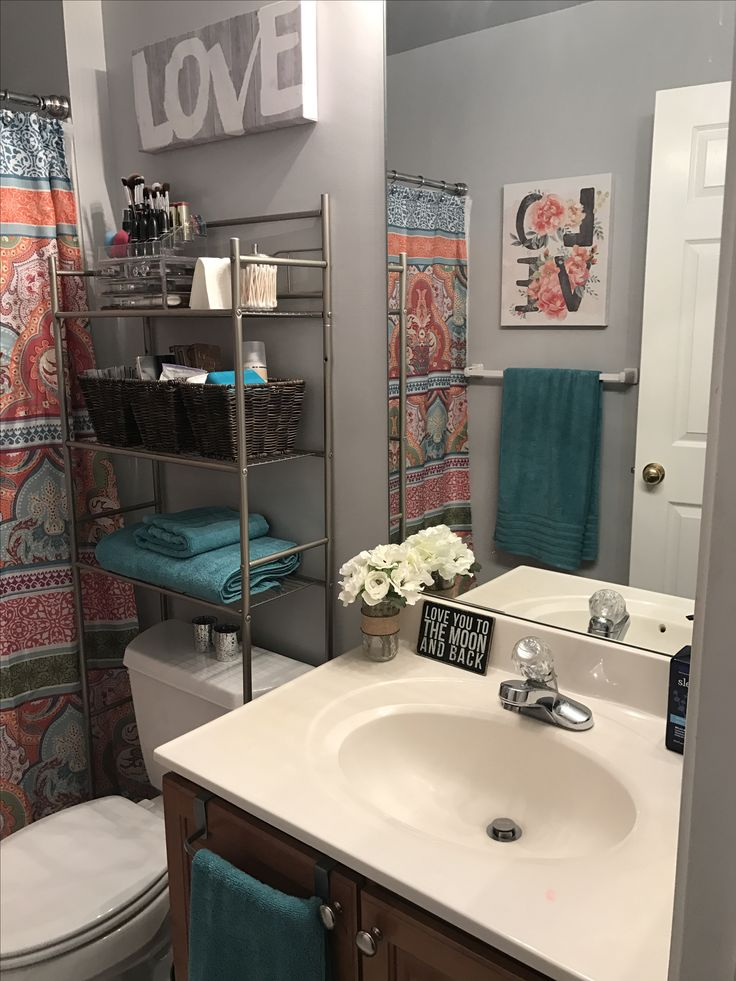 1000+ Ideas About Gray Bathroom Walls On Pinterest