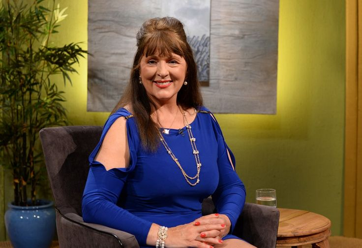 Nuala Holloway on set to chat about her life and career as an artist and secondary school teacher and former model, actress and Miss Ireland. The broadcast took place for 'Comhrá' on Irish TV station TG4, ON 19 November 2015 at 7.30pm #IrishArtist #IrishModel #Irish