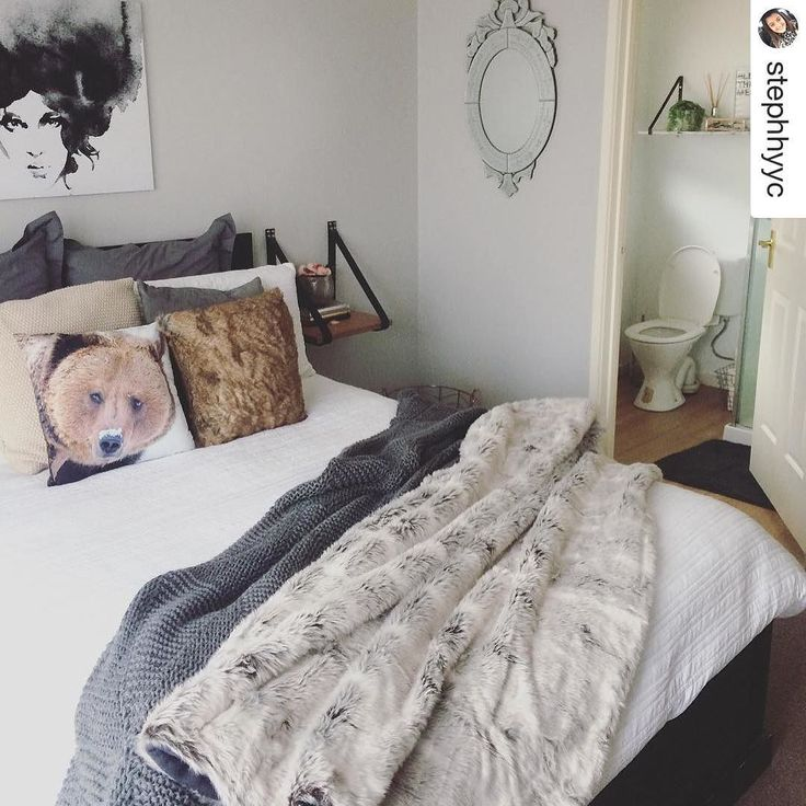 Faux fur FTW on another gorgeous setup from @stephhyyc #bedroominspo #loveit #comfy #homestyling #dakotathrow #bearcushions
