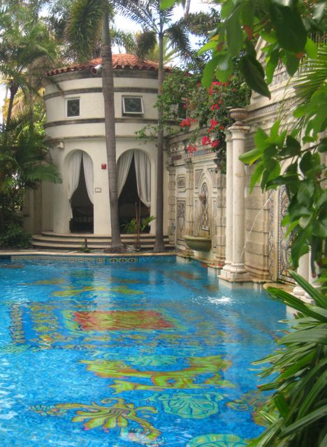 Swimming pool inlaid with 24-karat gold tiles, Versace Mansion, South Beach, Miami, Florida. The new owners of the South Beach mansion where Gianni Versace lived and died said they hope to use the Italian fashion designer's name and legacy in rebranding the property as a hotel. (V)