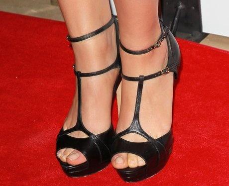 Mila Kunis // strappy heels