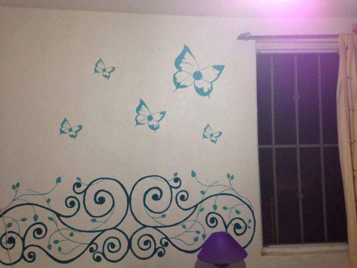 Mariposas y enredaderas sobre pared con gotel de forma - Pinturas decorativas paredes ...