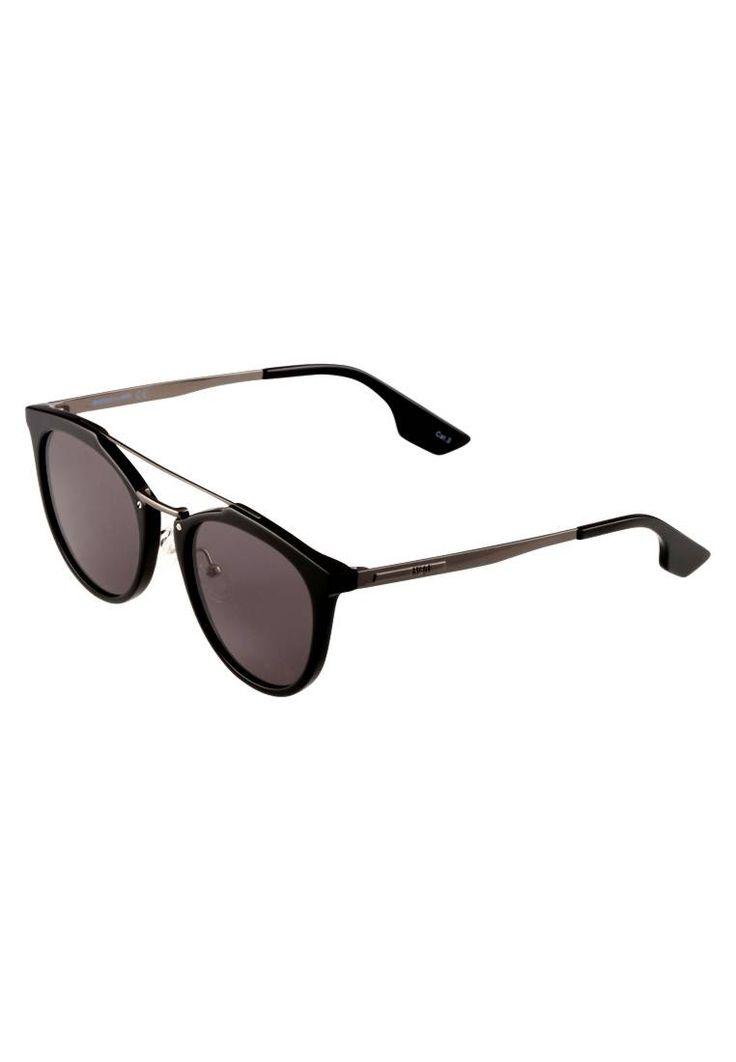 McQ Alexander McQueen. Occhiali da sole - black/ruthenium/grey. #occhialidasole #sunglasses #zalandoIT #fashion #moda Forma occhiali:Farfalla. Protezione UV:Sì. Astine:15 cm nella taglia 53. Ponte:2 cm nella taglia 53. Larghezza:14.5 cm nella taglia 53. Fantasia:monocromo