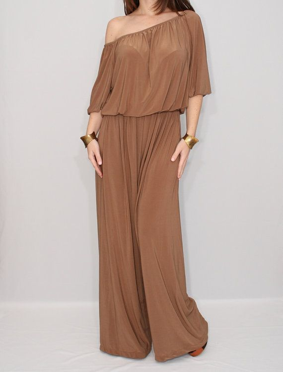 I like light jumpsuits. Don't love color maybe if it was lighter. But maybe i would like it.