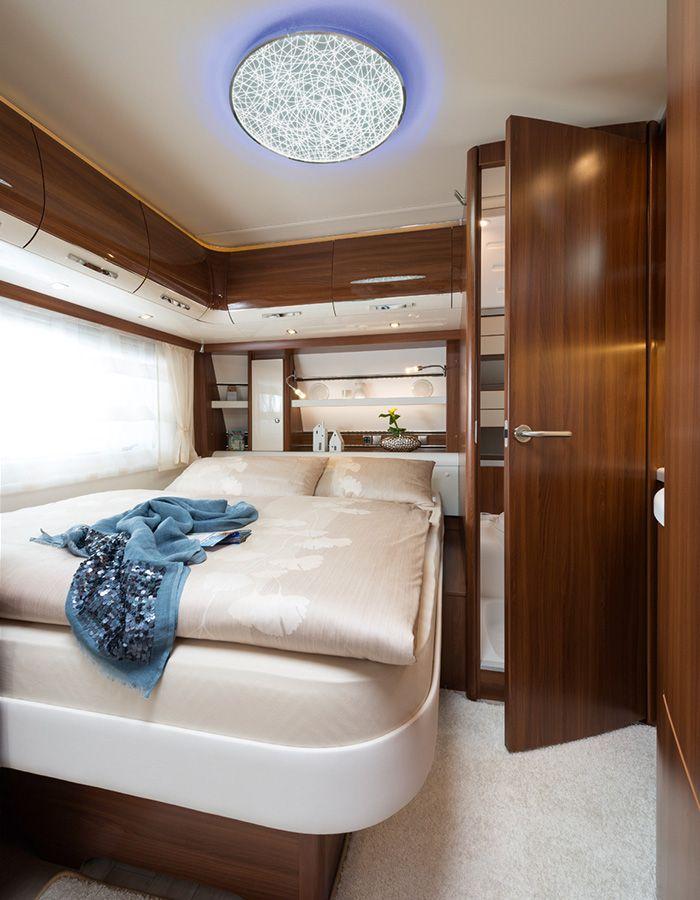 Fendt-Caravan   Brillant bedroom